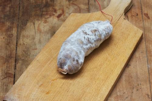 Emmanuel-Chavassieux-Salaison-Coutellerie-boutique-sec-saucisson-nature-le-classique-entier